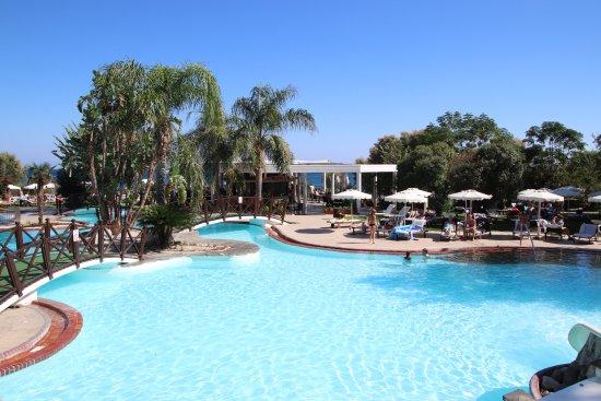 Hotel Calypso : Pool, im Hintergrund die Poolbar