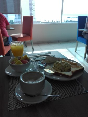 Bahia Suites Hotel: desayuno