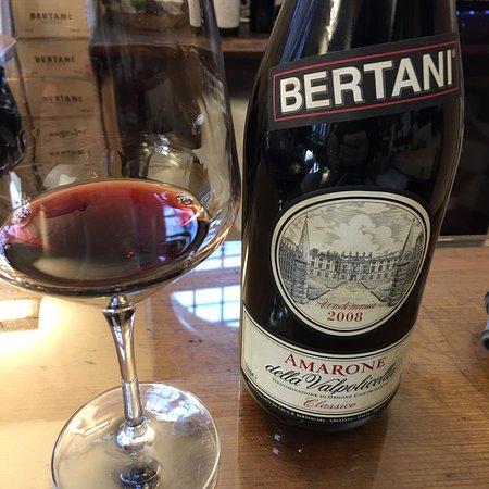 Grezzana, Italy: Stupenda cantina nel cuore del Veneto... ottimi prodotti e cortesia!