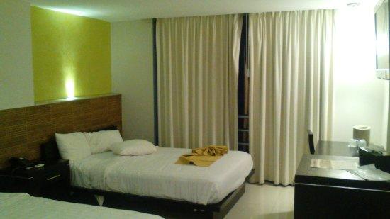Hotel El Espanol Paseo de Montejo: IMG_20171207_182706_large.jpg