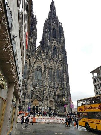 Kölner Dom: received_10215175790971885_large.jpg