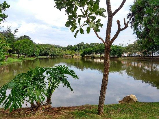 Lakes' Park