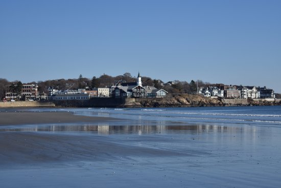 Lynn, MA: homes and businesses overlooking the beach