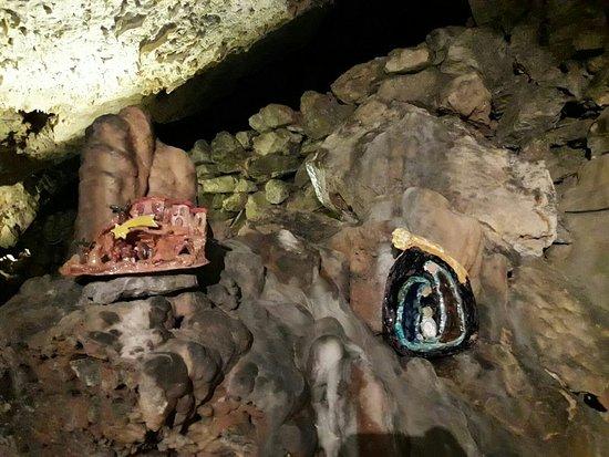 Villanova Mondovi, Włochy: Presepi in grotta