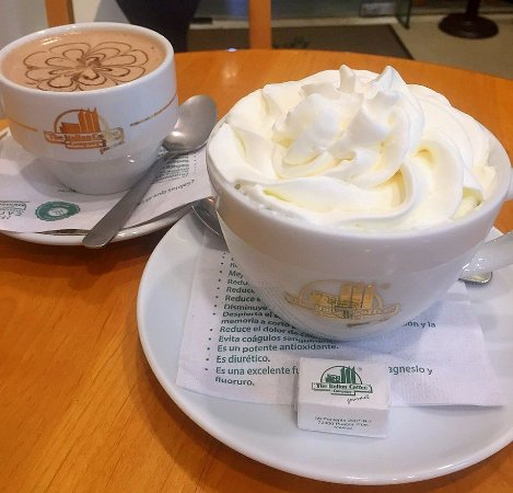 The Italian Coffee Company: We enjoyed coffee and hot chocolate - delicious!