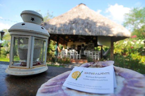 Naturalmente Restaurante Mediterraneo: restaurante desde el Jardin