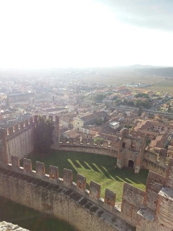 The Soave Castle: 20171209_143130_large.jpg