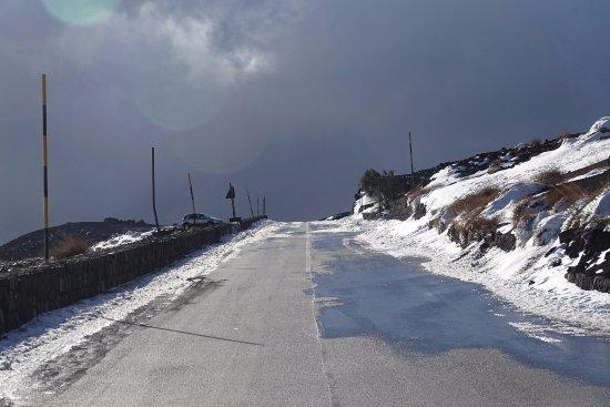 Castiglione di Sicilia, Italy: Onderweg door de bergen (ja, het is december op Sicilië)