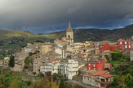 Castiglione di Sicilia, Italy: Alsof het een sprookje met een lamp is........