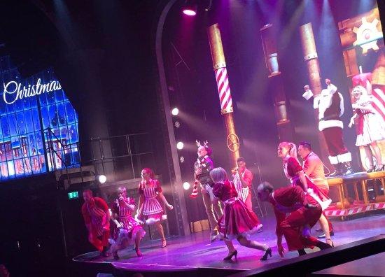 Wallmanns Entourage X-Mas show - Billede af Wallmans Cirkusbygningen, København - TripAdvisor