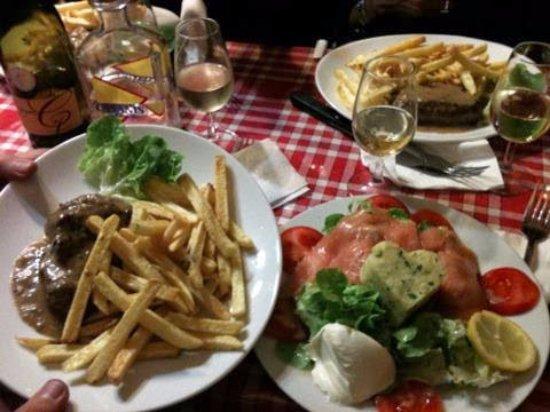 Le bourgogne paris canal saint martin restaurant reviews phone number photos tripadvisor - Restaurant rue des vinaigriers ...