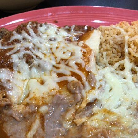 ‪‪Trenton‬, جورجيا: #8 Cheese enchilada and tamale with beans and rice.‬