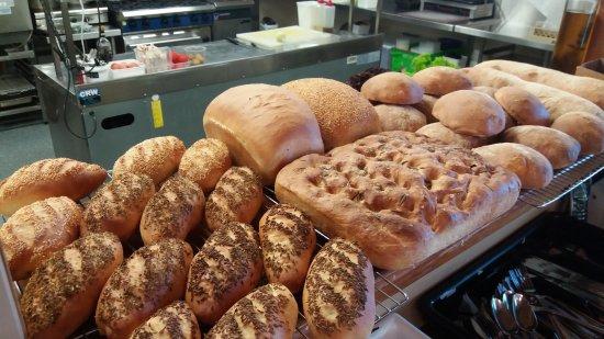 Saint Arnaud, Yeni Zelanda: Breads, breads, breads
