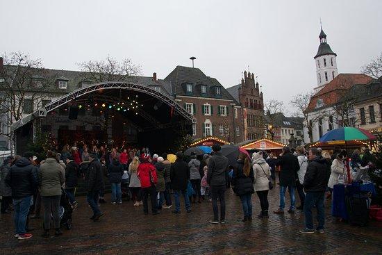 Xanten, Alemanha: Christmas Market with music