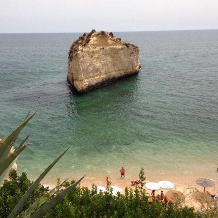 Vilalara Thalassa Resort: Verschiedene Aussichten vom Zimmer, Aussenanlage, Restaurant und Strand.