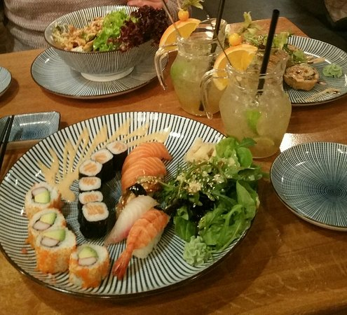 mikoto sushi vietnamese cuisine k ln restaurant bewertungen telefonnummer fotos. Black Bedroom Furniture Sets. Home Design Ideas