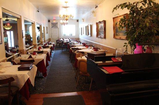 Bayside, État de New York : Piano Bar Salon