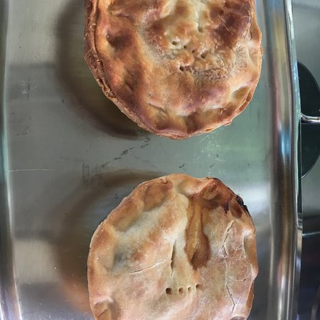 Bakery hut in Murchison and said pies