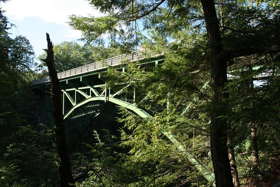 Quechee, VT: The bridge across Queechee Gorge that offers great views