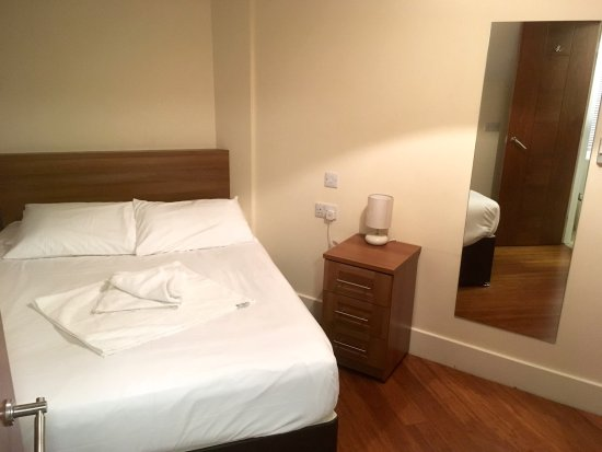 High Wycombe, UK : Twin Room