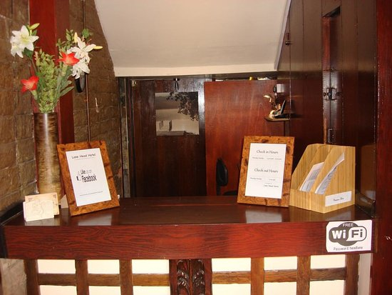 Brighouse, UK: OUR RECEPTION DESK