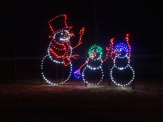 Madison, IL: Snowmen Family