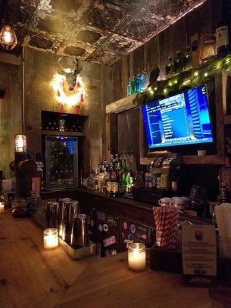 Sunnyside, Estado de Nueva York: main floor bar
