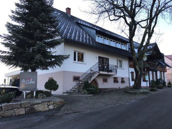 Oberkirch, Germany: Вид отеля с улицы Alm