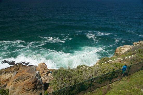 Mossel Bay, South Africa: Blick vom Leuchtturm aufs Meer, Weg hinunter zum Meer