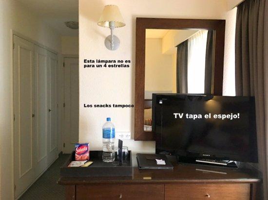 Dos Reyes Hotel Mar del Plata: Esto no es 4 estrellas