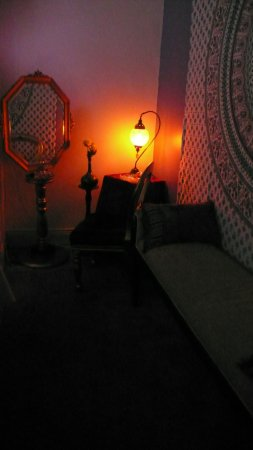 Daylesford, Avustralya: Beautiful Moroccan lighting adds to soothing ambience for your relaxation!!