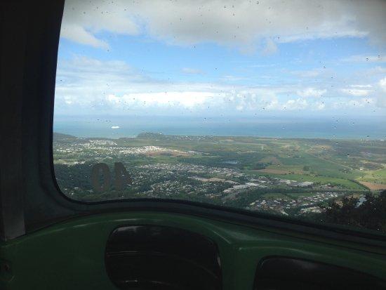 Smithfield, Australia: Descending into Cairns