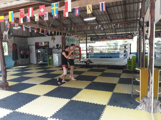 Kru Lek Muay Thai Gym