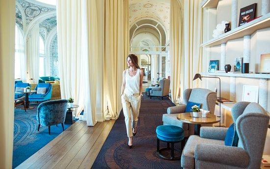 Hotel Royal - Evian Resort: Bar/Lounge