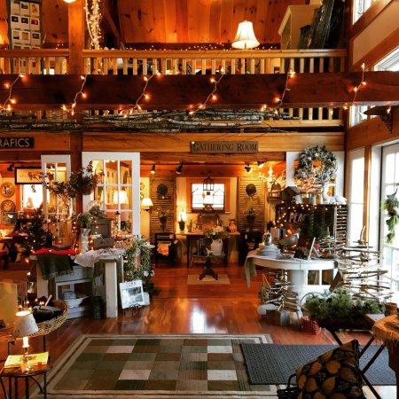 Cape Neddick, ME: Multiple boutique shops under one roof!