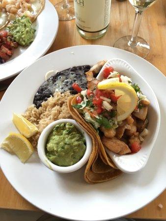 Mendocino Cafe: Fish tacos