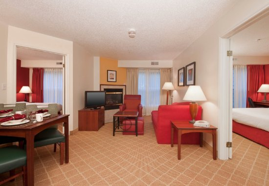 West Springfield, MA: Guest room