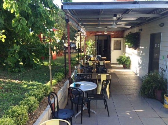 Yackandandah, Australia: Our courtyard