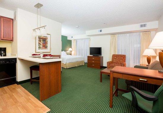 Roseville, CA: Guest room