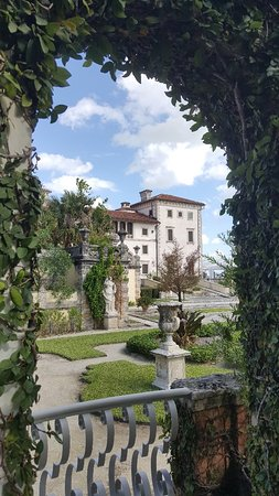 Vizcaya Museum and Gardens: 20171117_130456_large.jpg