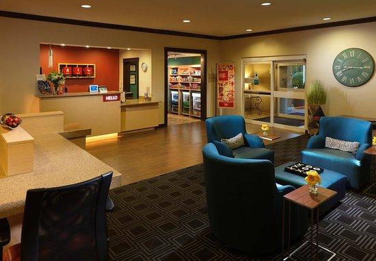 Shenandoah, TX: Lobby
