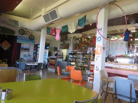 Glenelg, Australia: Inside; almost a country pub atmosphere