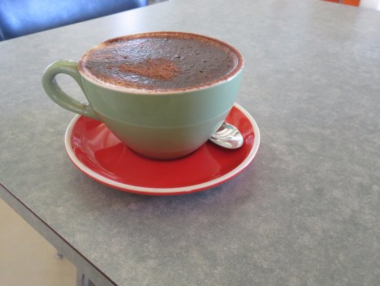 Glenelg, Australia: Skinny cappucino which I asked for came with lots of chocolate topping