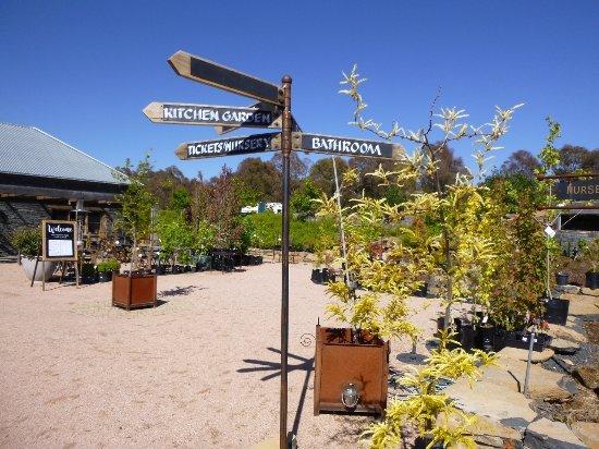 Oberon, Australia: Signpost
