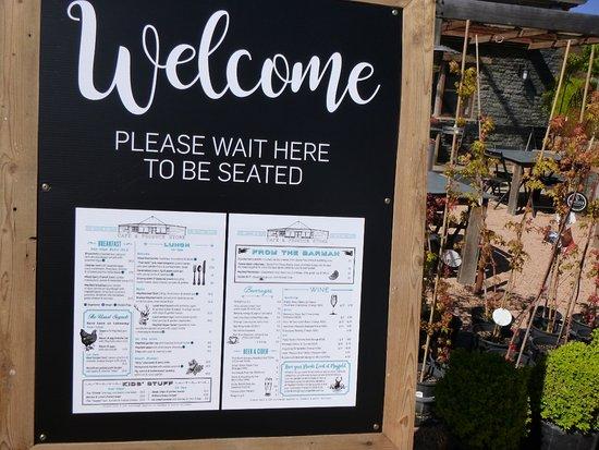 Oberon, Australia: Signage