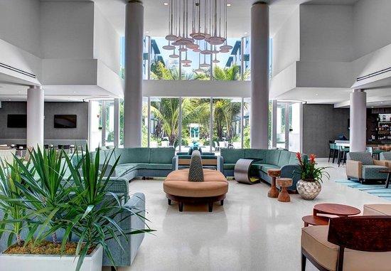Surfside, FL: Lobby