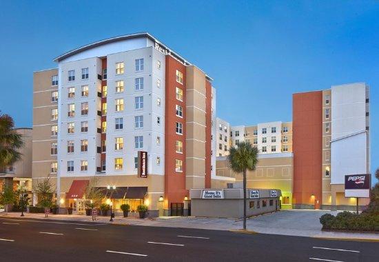 The 10 Closest Hotels To Florida International University Miami Tripadvisor