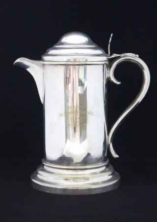 Moruya, Australia: Silver coffee pot presented to the Eurobodalla Shire Council in 1911 by E.M. Mort.
