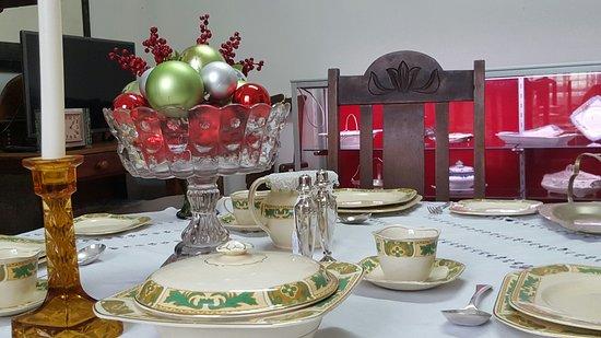 Moruya, Australia: Christmas dinner in the dining room of Emmott House