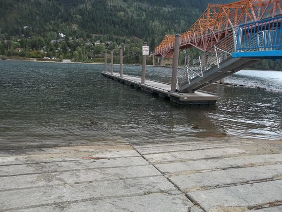 Nelson, Canada: From the boat launch